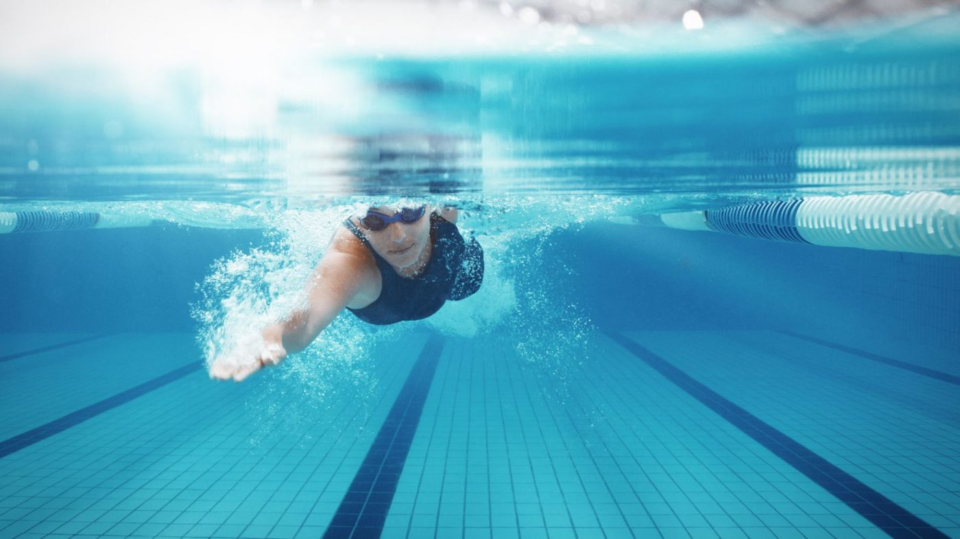 How does swimming effect the brain?